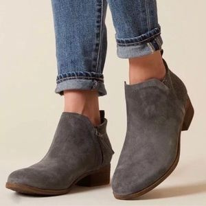 NWT Toms Deia Ankle Boots $98